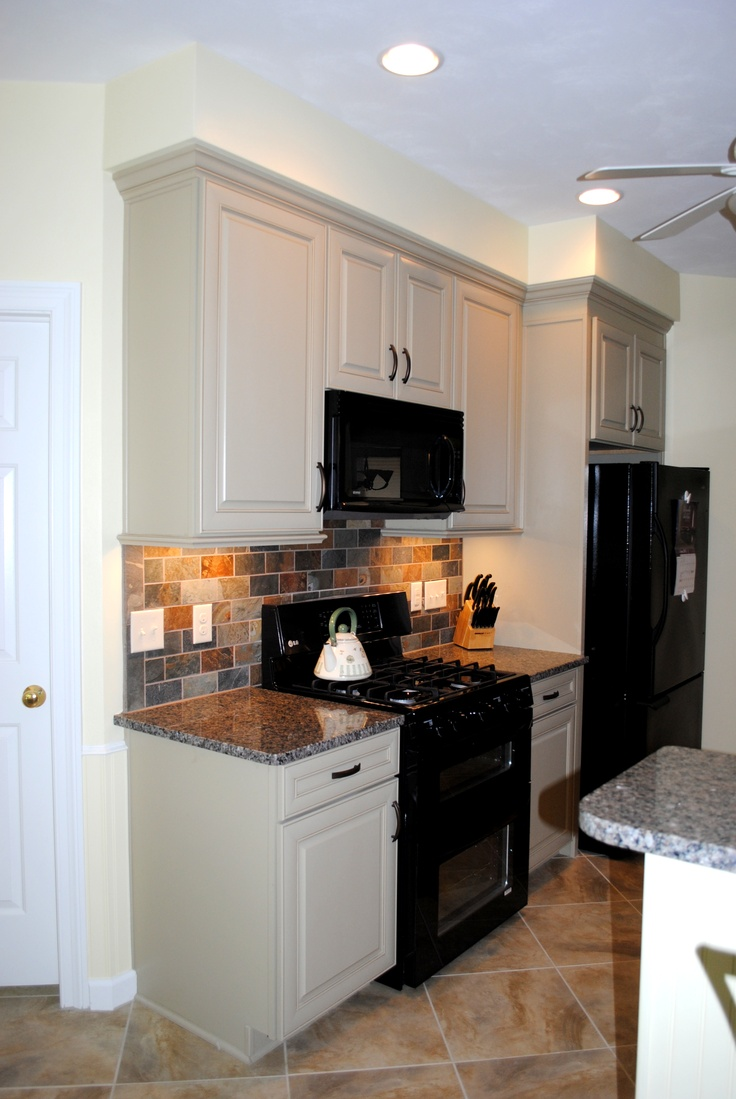 Maple Cabinets In Celadon Paint W Chocolate Glaze New