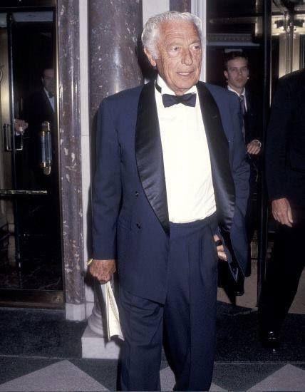 gentlementools: Gianni Agnelli - Blue tuxedo | Uomo e ...