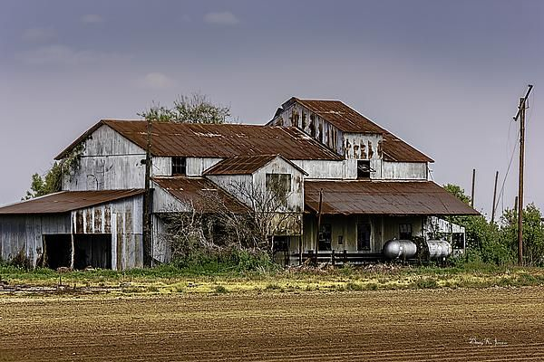 Technically This Old Cotton Barn Is Located In Lula