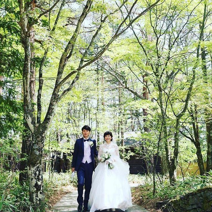 【挙式編】夢だった森の教会「軽井沢高原教会」で永遠の愛を誓う…緑に包まれたナチュラルウェディング♡