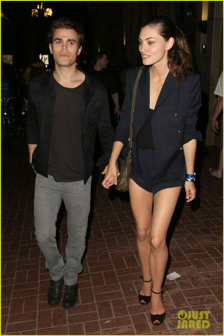Photo paul wesley looks casual cool in a black shirt and jeans on saturday night july in san diego calif