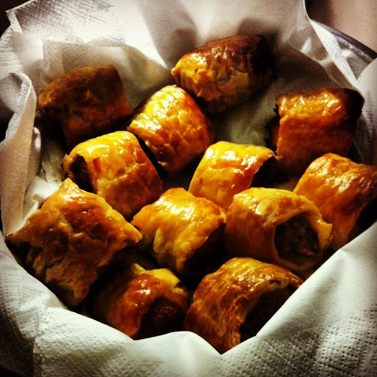 THE BEST SAUSAGE ROLL RECIPE ON THE PLANET*