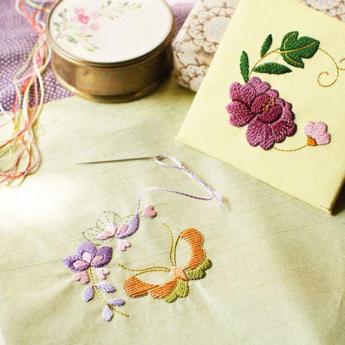 日本刺しゅうにあこがれて 絹糸の優美な輝き文様フレームの会