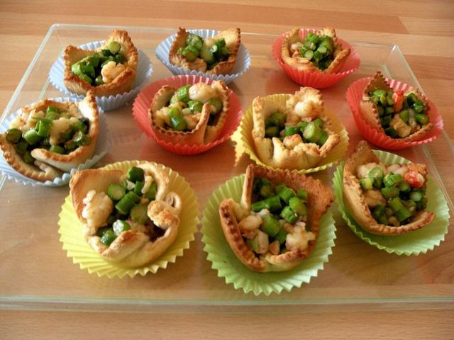 Cestini di pane con gamberi e asparagi by chefpercaso