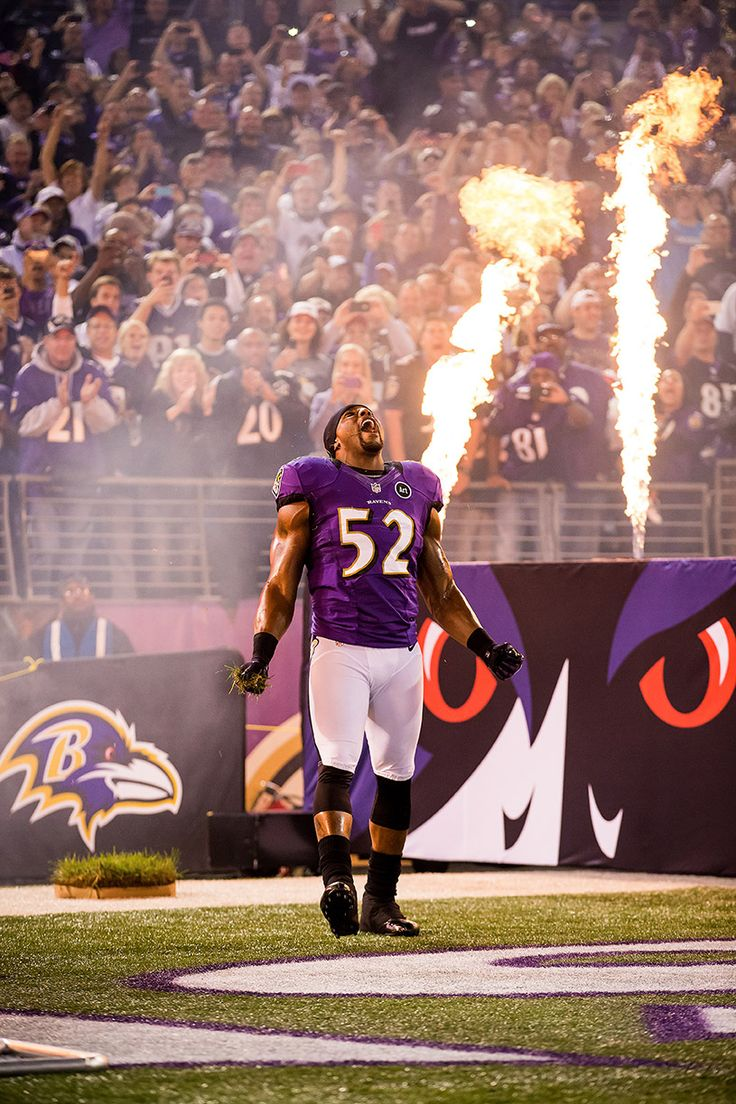 Ray Lewis. The best linebacker of all time in my eyes. Even though I'm not a Ravens fan, I will miss seeing him play after 17 seasons in the NFL!