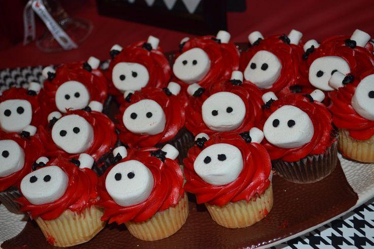 Razorback cupcakes by @Laura Jayson Jayson Jayson Southerland