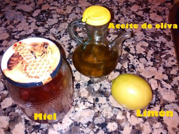 Estos son los unicos ingredientes que necesitais para una MASCARILLA HIDRATANTE casera. Aquí os explico como conseguirla:  http://pinksunglassesblog.blogspot.com.es/2014/08/mascarillas-para-una-piel-radiante.html