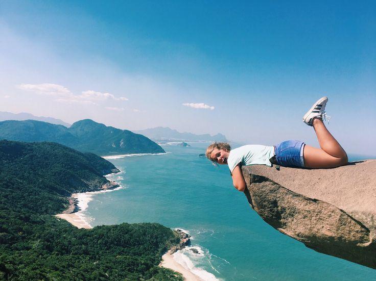 i n s t a : @ gabibridges  Pedro de Telegrafo, Rio, BR