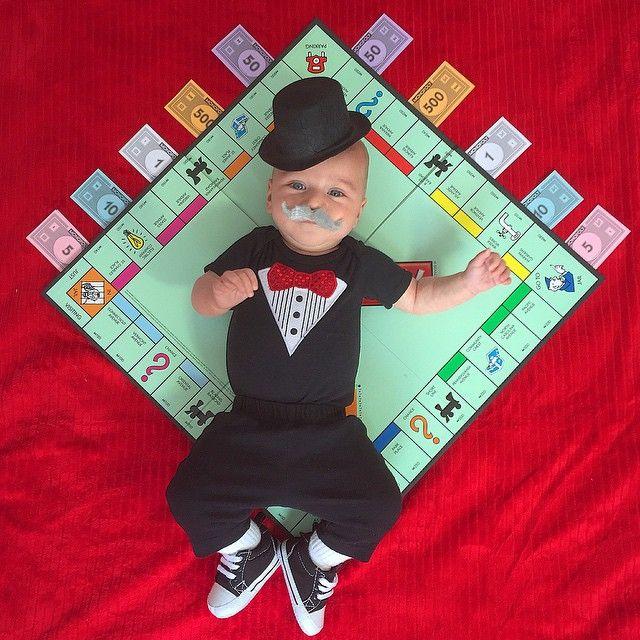 bébé dans un nouveau déguisement chaque jour   bebe dans un nouveau deguisement chaque jour monopoly