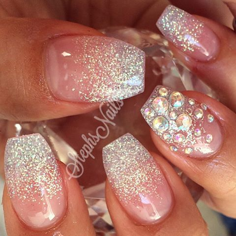#glitteryclear#frenchombre#love#acrylicnails#glitterombre#stephsnails#cute#love#simplenails#ombrediamonds#plainjaneset took a little inspo from the lovely @vanessanailz_25