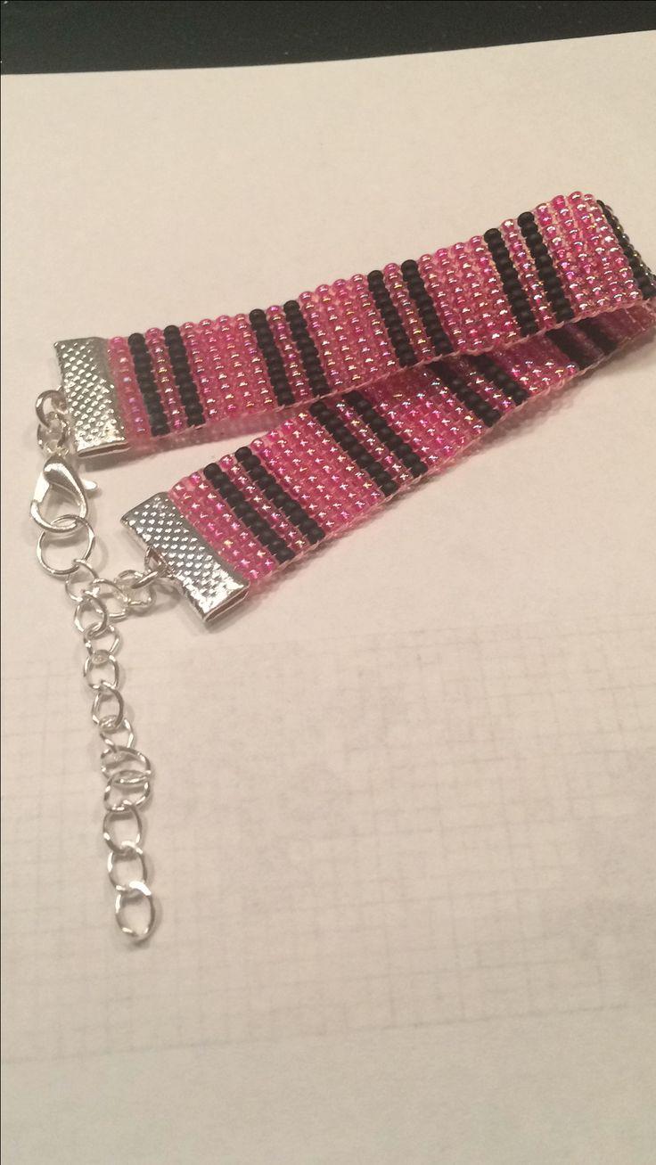 Loom armband roze/zwart
