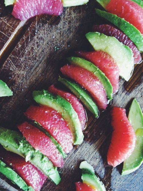 Grapefruit and Avocado Slate Salad by Yumology