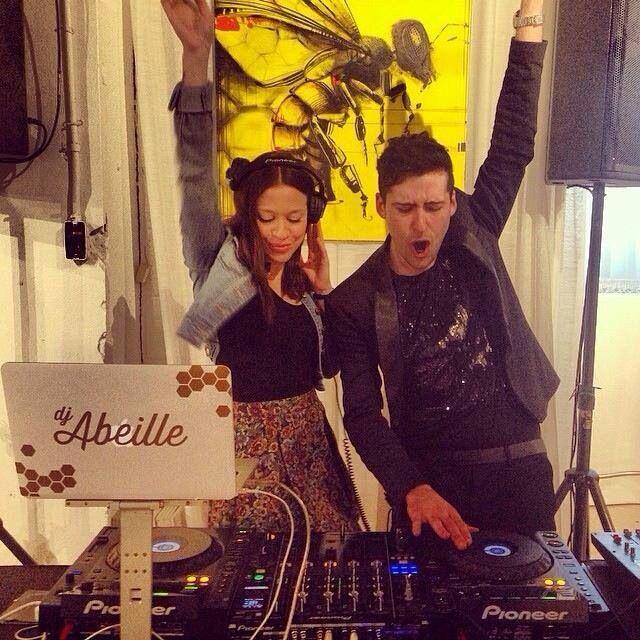 Vernissage chez meuble Reno avec la belle DJ Abeille Gélinas