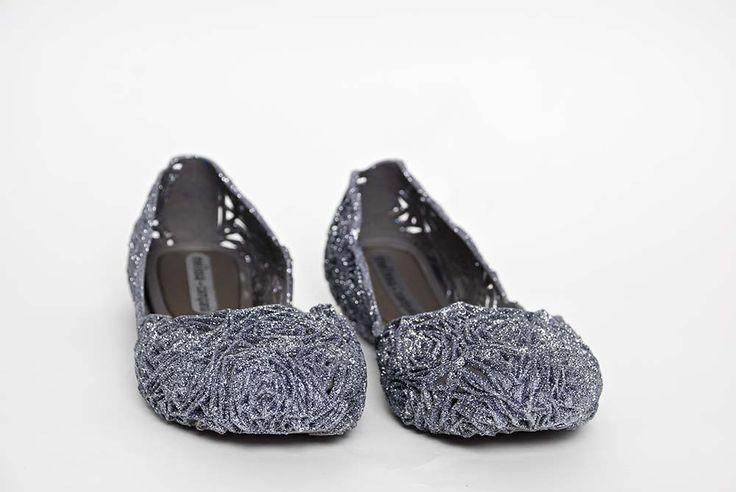 Silver campana fits from Melissa
