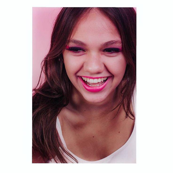 T. . . . . . . . . . . . . . . . #laugh #studio #pink #fashionphotographer #fashion #photography #fashionblogger #canon #makeupartist #makeup #highlight #contouring #contour