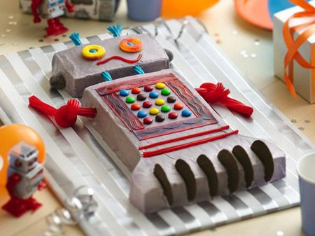 What fun you'll have treating your birthday child and friends to an out-of-this-world party featuring our awesome Robot Cake!