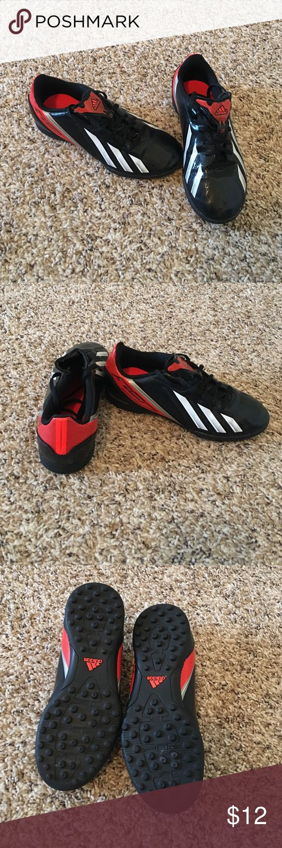 Youth Adidas indoor/turf soccer shoes. Size 2.5 Boys youth Adidas indoor/turf soccer shoes. Size 2.5 excellent condition. Adidas Shoes Sneakers