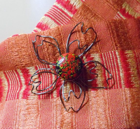 Magnetic Floral Brooch Wire Wrapped Vintage Glass by simplysuzie2, $25.00