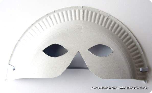 Carnevale: maschere last minute con piatti di carta
