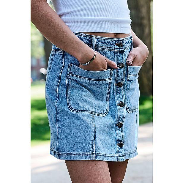 Denim is a way of life! Nu in de uitverkoop te vinden op Aldoor! #sale #denim #fashion #aldoor #zomer #women #mode