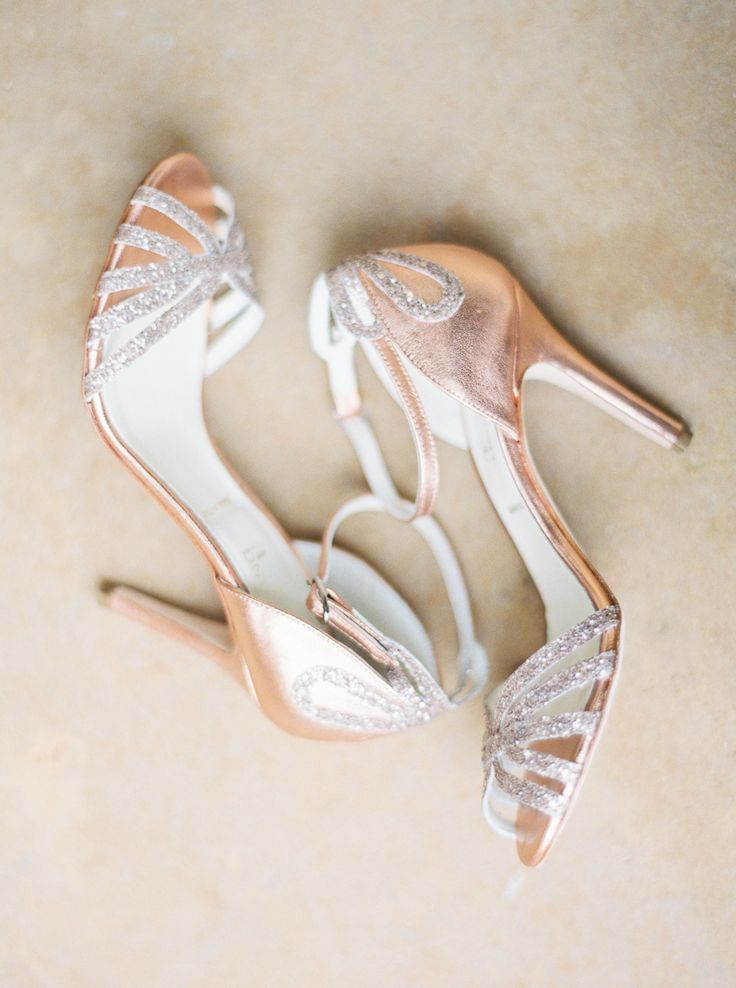 Photography: Jenna McElroy  - jennamcelroy.com   Read More on SMP: http://www.stylemepretty.com/2015/07/28/elegant-spring-austin-wedding/