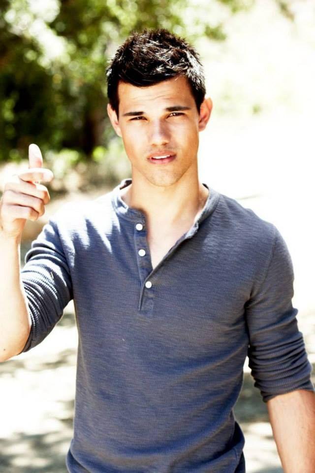Taylor Daniel Lautner ...