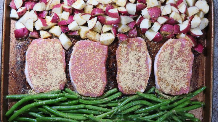Yay for one pan dinner recipes! This pork chop dinner idea is soo yummy!