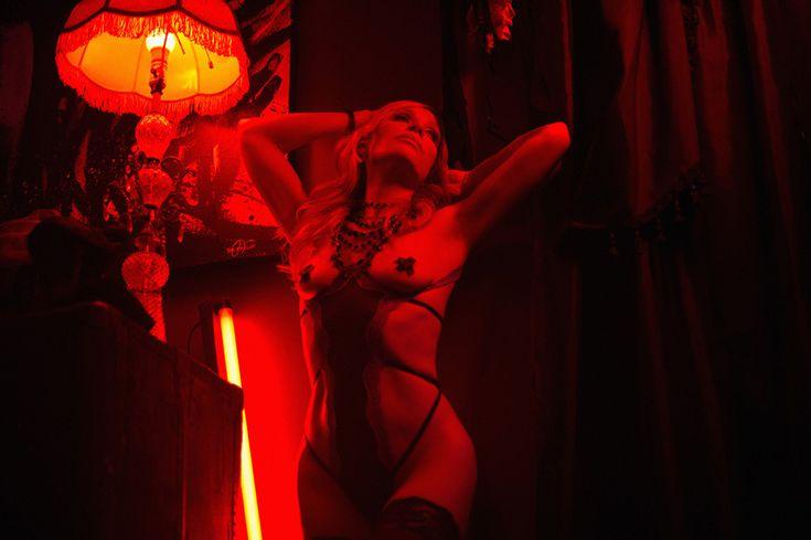 San Francisco Bay Area California Sacramento boudoir photography to see more please visit: http://jamiesoloriophotography.com/blog/?p=14769 http://jamiesoloriophotography.com/boudoir/?/page/8ba1/home/