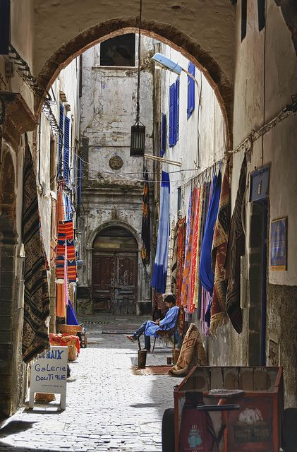 A colourful scene in the Medina of Essaouira, Morocco www.whenevermarrakech.com/essaouira-hostels/ www.marrakechrougehostels.com/essaouira/