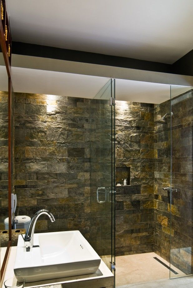 Nice shading of slate stone. Bathroom Design by Me/_Dodi Nug