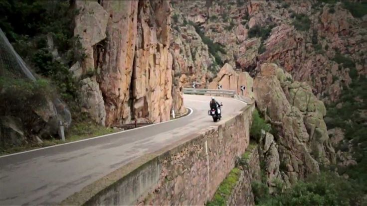 Aprilia Caponord 1200 - video ufficiale #Aprilia #Caponord #moto #viaggio #tecnologia