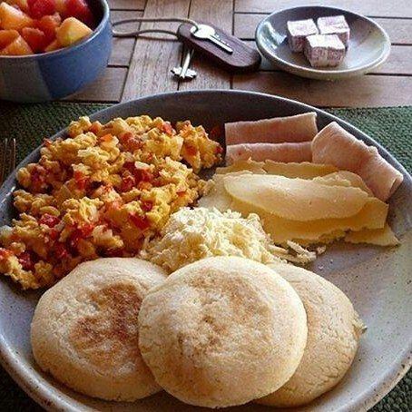 ¿Ya Desayunaron? Un buen día empieza con este poderoso desayuno y un café recien colado en @posadaloshaticos ♥ . . #circuitodelaexcelencia #conalmadeanfitriones #hospedaje #desayuno #buenosdias #venezuela_captures #igersvenezuela #igersoftheday #venezuelatequiero #love