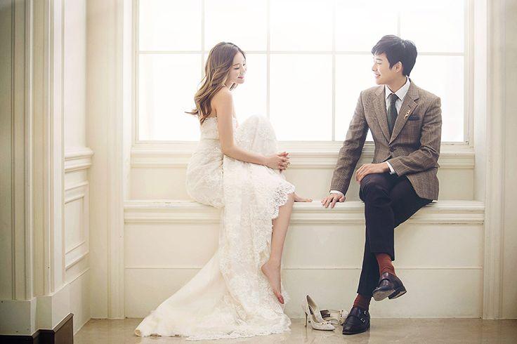 Korean Studio Pre-Wedding Photography: 2016 Whimsical Collection  by Bong Studio on OneThreeOneFour 21