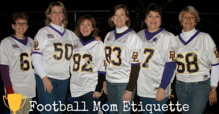 Football Mom Etiquette from @thesmartkids101 will make sure you start Football Season off the right way!