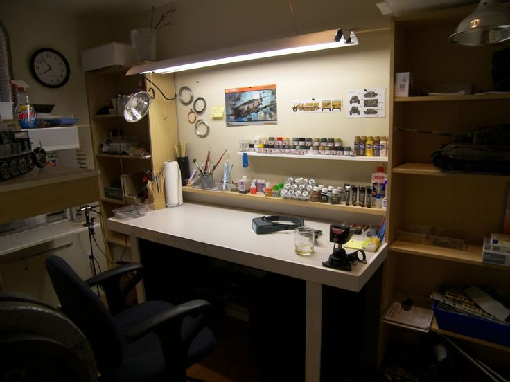 Modelers desk google search modelers workspace pinterest desks and search - Desks small space model ...