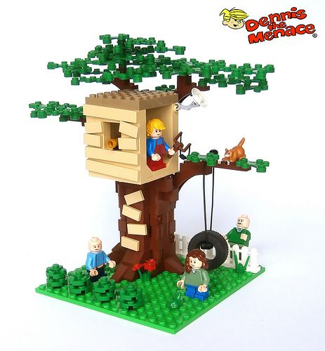 Dennis' treehouse - could be modified to be Bart's treehouse and fit with the Simpsons Lego house