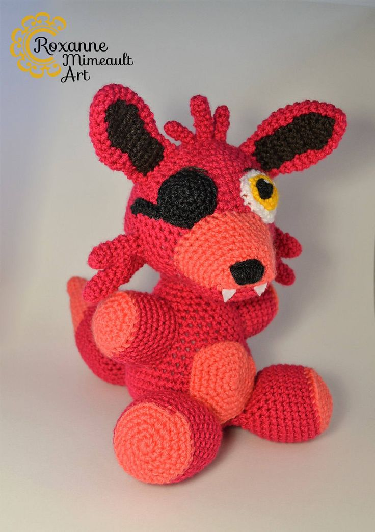 Foxy Five night at freddy video game amigurumi crochet toy de la boutique RoxanneMimeaultArt sur Etsy