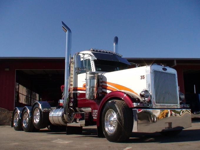 Semi Truck: Custom Semi Truck