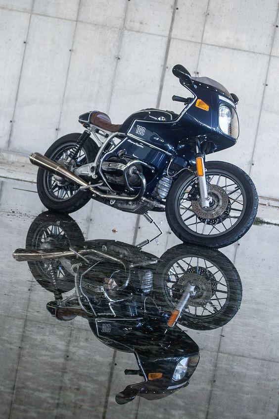 Reise Custom: Modding the BMW R100 RS