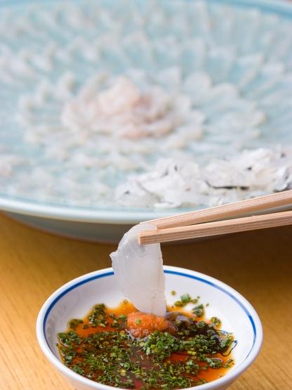 Japanese food - Fugu sashi (blowfish sashimi)