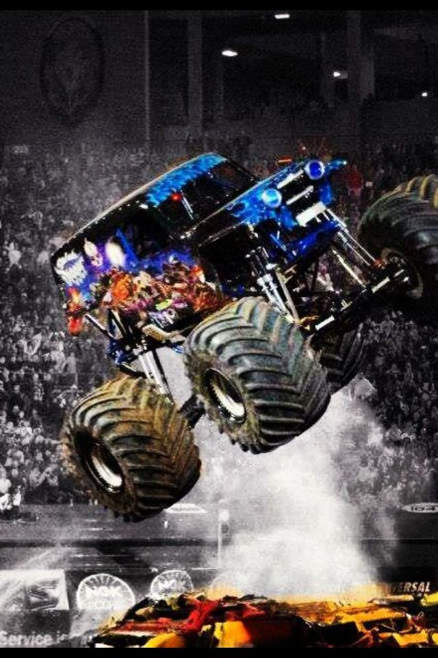 #MonsterJam will come to #Oakland on February 22, 2014! #ColiLove