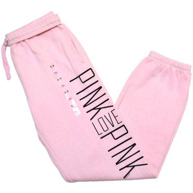 El pantalones de chandal rosado ese muy lindo.
