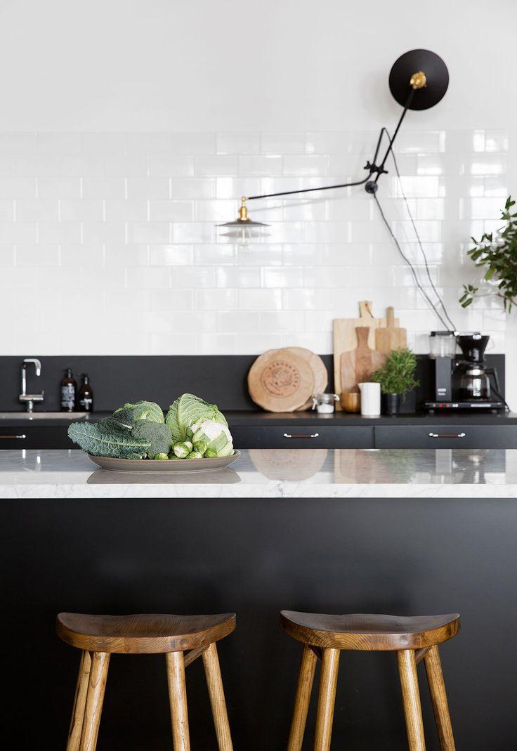 Frida Ramstedt på Trendenser genomförde en köksrenovering nyligen, och valet föll på Ballingslöv. Hitta Trendensers kök och din egen köksinspiration hos Ballingslöv!