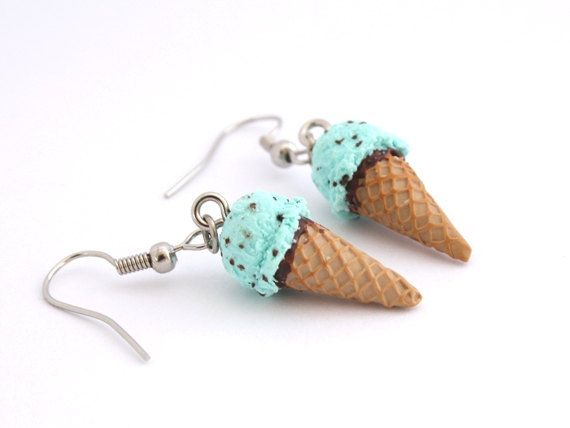Mint Earrings - Polymer Clay Ice Cream Cone. via Etsy.-oh for goodness sake! how flippin cute are these!