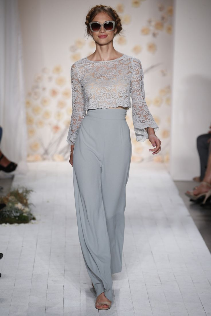Floor length wide leg trousers create the illusion of height #perfectlypetite #styletip #lace