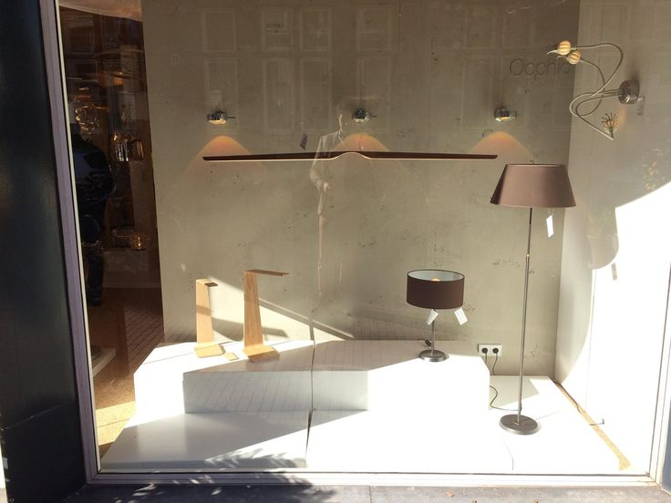 Tunto Swan pendant, Led8 and Led4 in a lighting shop Tabbers Lichtdesign Nijmegen in the Netherlands