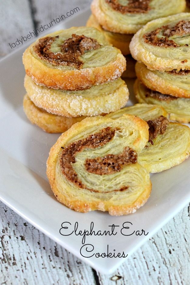 This recipe uses puff pastry to make these light, uniquely shaped cookies. These bakery shop treats are often called palmiers, or palm leaves.