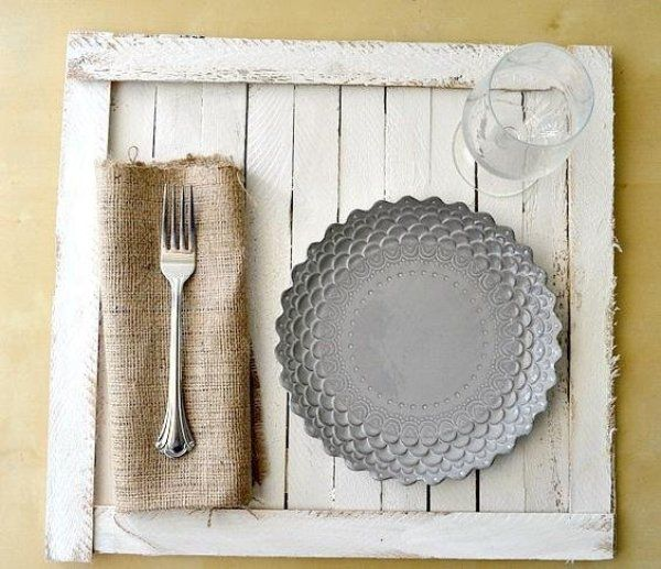 Make your own rustic tabletop tray with this step-by-step DIY!