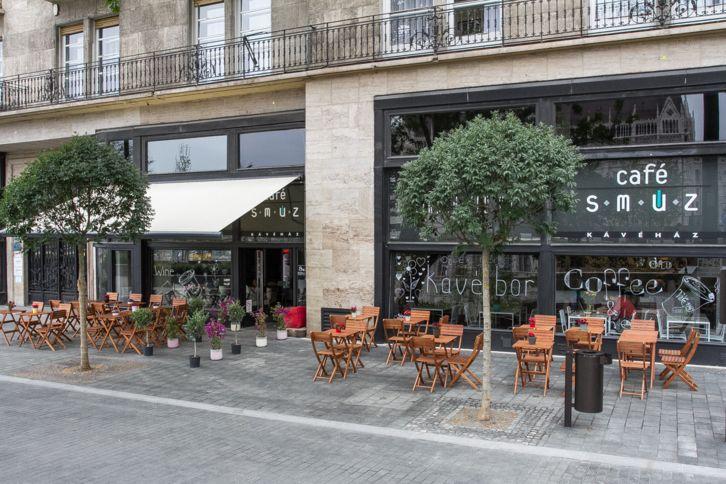Kávézó-virágüzlet-dizájnbolt fúzió a Kossuth téren - Café Smúz | WeLoveBudapest.com