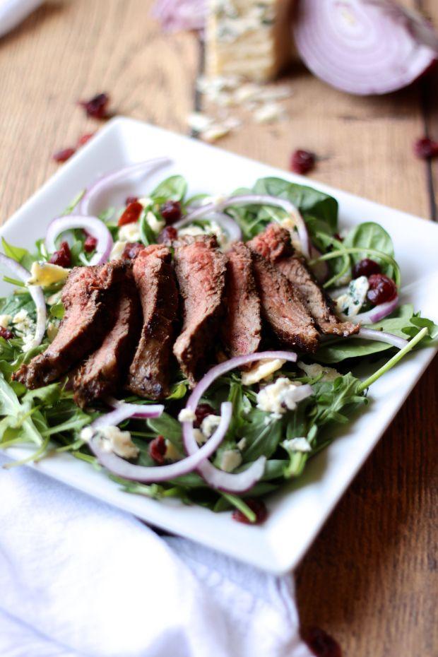 Steak & Arugula Salad with Gorgonzola & Balsamic Glaze | rdinthemidwest.com